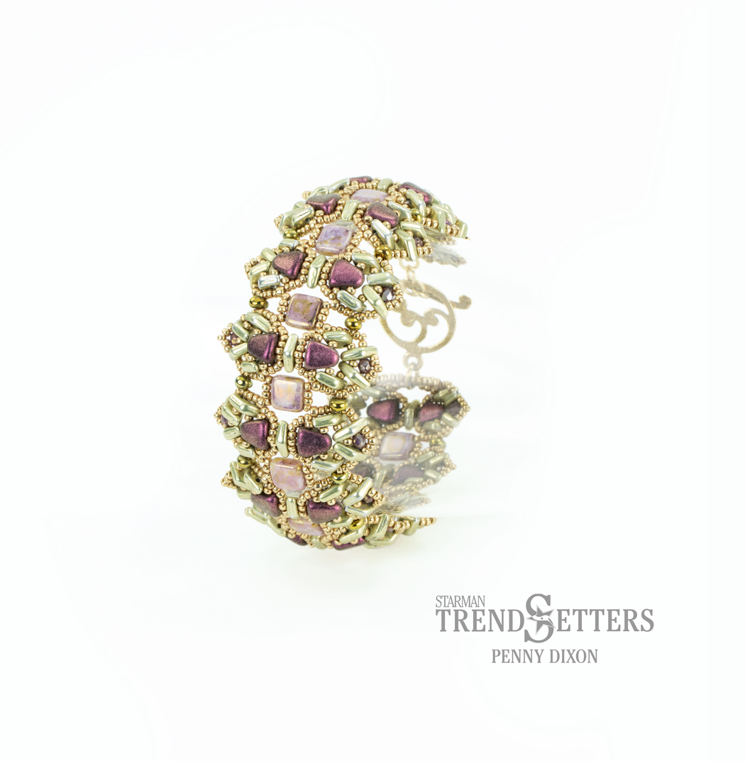 Download the Lavender Crown Bracelet