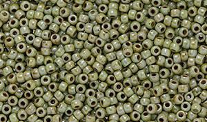 Matubo Seed Bead 11/0 : Ultra Luster - Opaque Green
